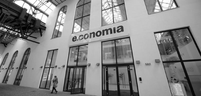 fotka budovy Economie